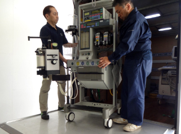 All medical equipment is expertly handled by our seasoned engineers and drivers.